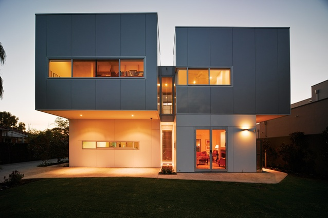 The form of the Dalkeith House is articulated to allow wind to penetrate deep into the house.