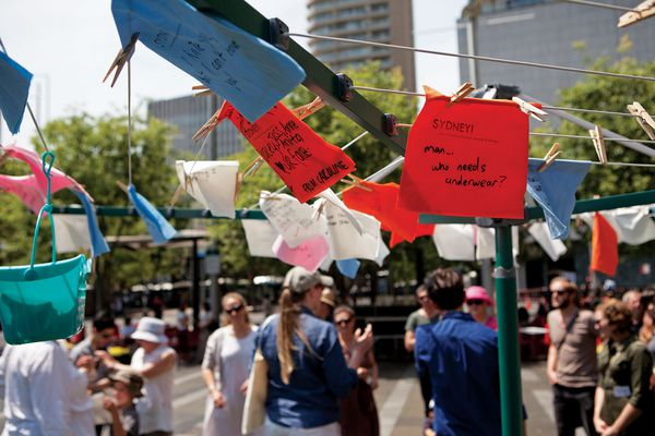 Jess Miley's Sydney! There's something I've been meaning to tell you invites passers-by to write down their secrets and hang them out on washing lines.