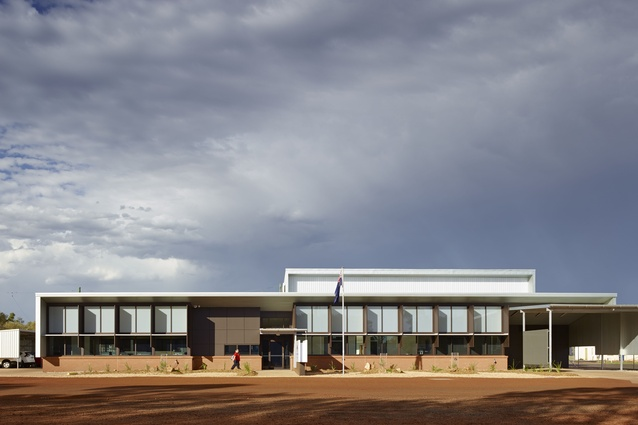 Royal Flying Doctor Service – Charleville Base by DM2 Architecture.