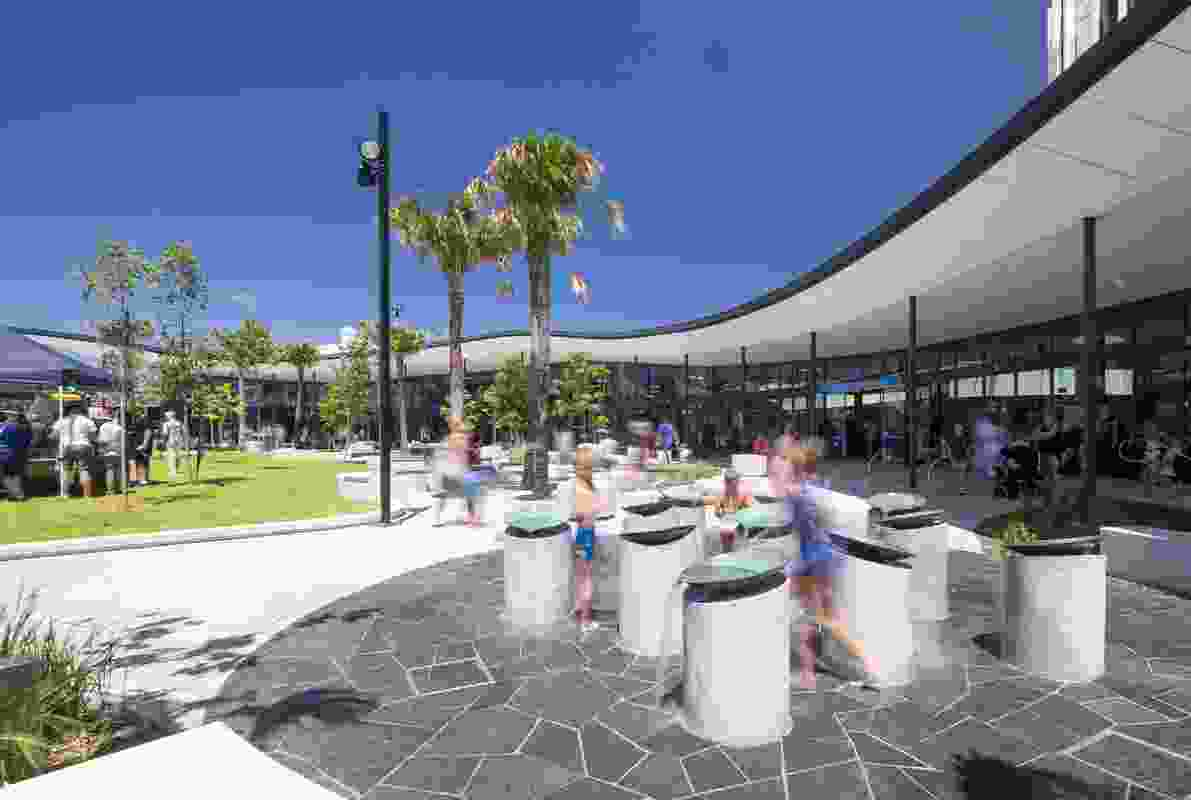 Shellharbour City Libraries by Designinc, Lacoste and Stevenson and Turf Design Studio.