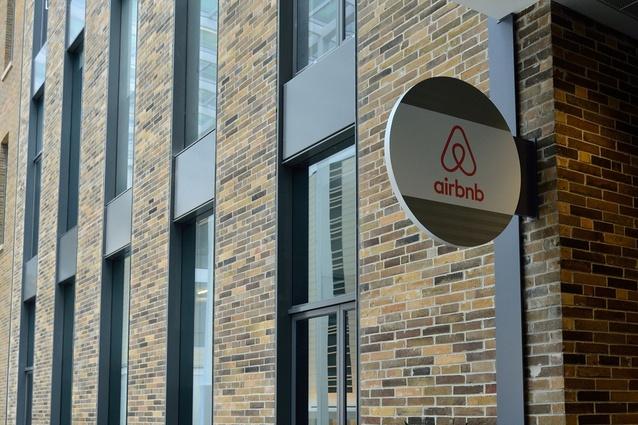 Airbnb, Toronto.