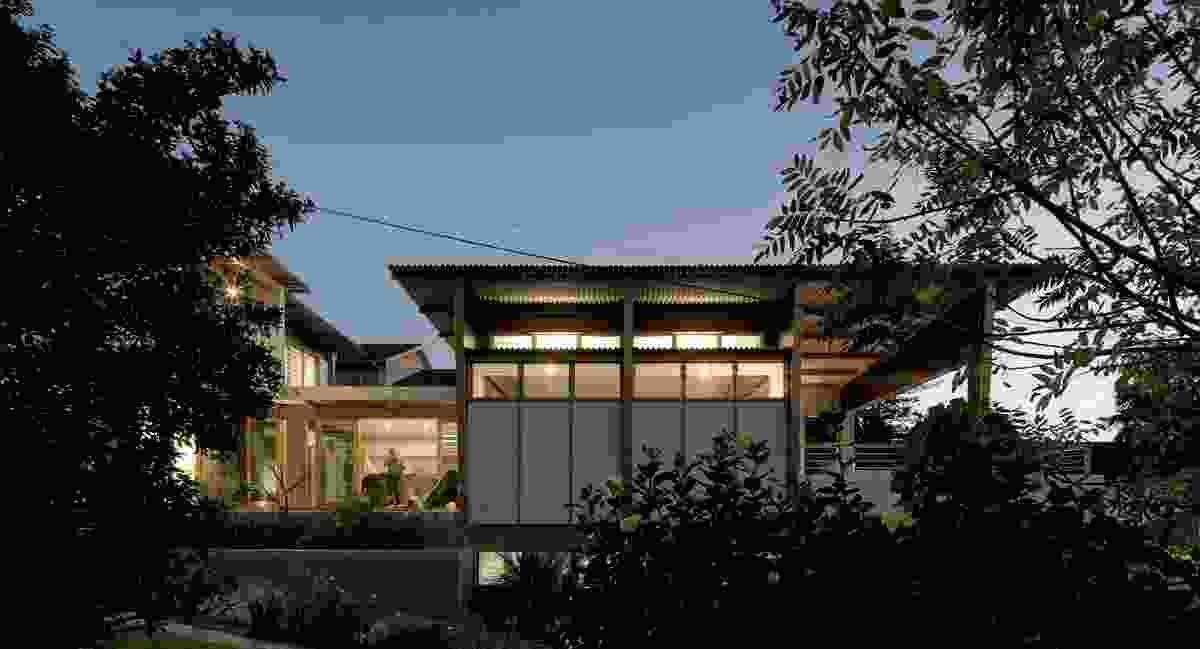 Lagoon House by Matt Elkan Architect.