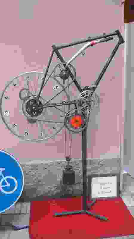 Bicycle clock exhibit at Fritz Hansen (Brera).