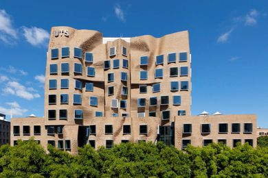 Austech's Foamular extruded polystyrene insulation was specified for the plaza decks of the new business school at the University of Technology, Sydney.