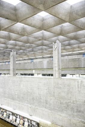 The Faculty of Architecture and Urbanism, University of São Paulo(FAU-USP) by João Vilanova Artigas and Carlos Cascaldi.