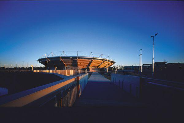 Modelling: Sydney International Tennis Centre (1999).