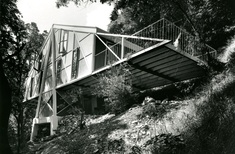 'Rethinking ways of living': Home truths from Melbourne's modernists