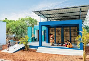 A double-layer roof at Harivillu 1, completed in 2019 in a rural village in Andhra Pradesh, reduces heat penetration and encourages passive ventilation to mitigage the hot, dry climate.