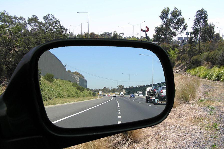 A 'rear-view' comparison of freeway planting designs.