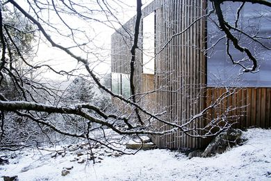 This home withstands harsh weather conditions without closing itself off.