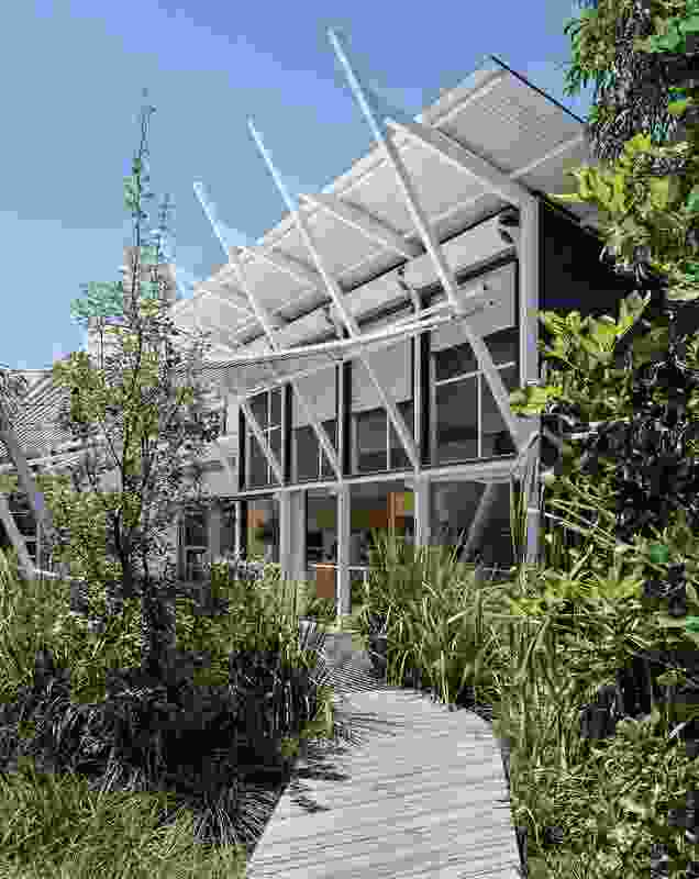 The architects' honed command of lightweight construction was well suited to building on the relatively isolated South Stradbroke Island site.