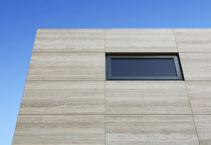 Maximum Travertino external cladding was used for this project by Tim Roberts Design.