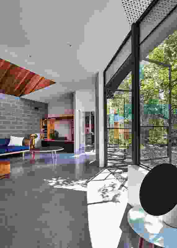 The rear extension embraces the garden to provide a sanctuary from modern city life.