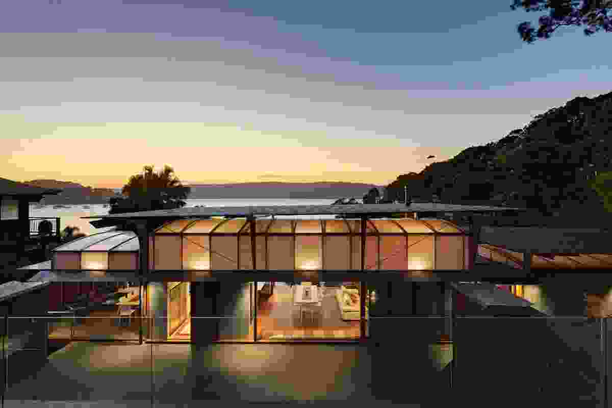 Residential Architecture Award – Cliff Face House by Fergus Scott Architects with Peter Stutchbury Architecture.