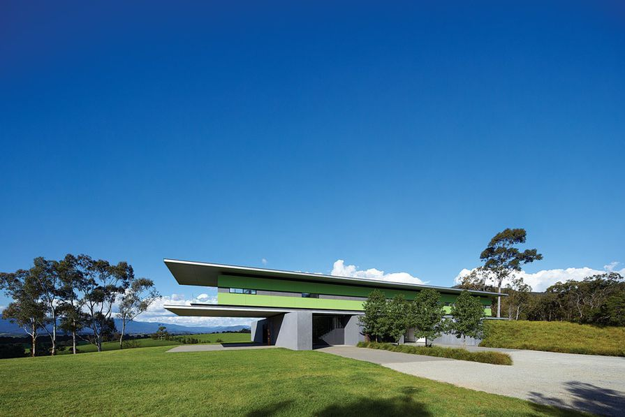 The Medhurst House (2008) is a simple, steel-framed glass box that cantilevers over the landscape.