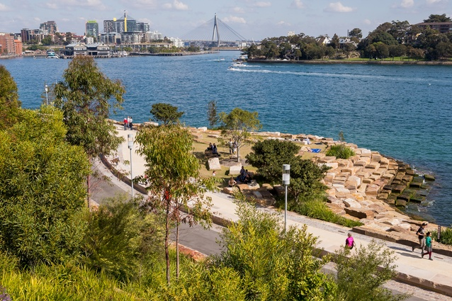 The park establishes a 14 kilometre stretch of shoreline between ANZAC Bridge and Walsh Bay.
