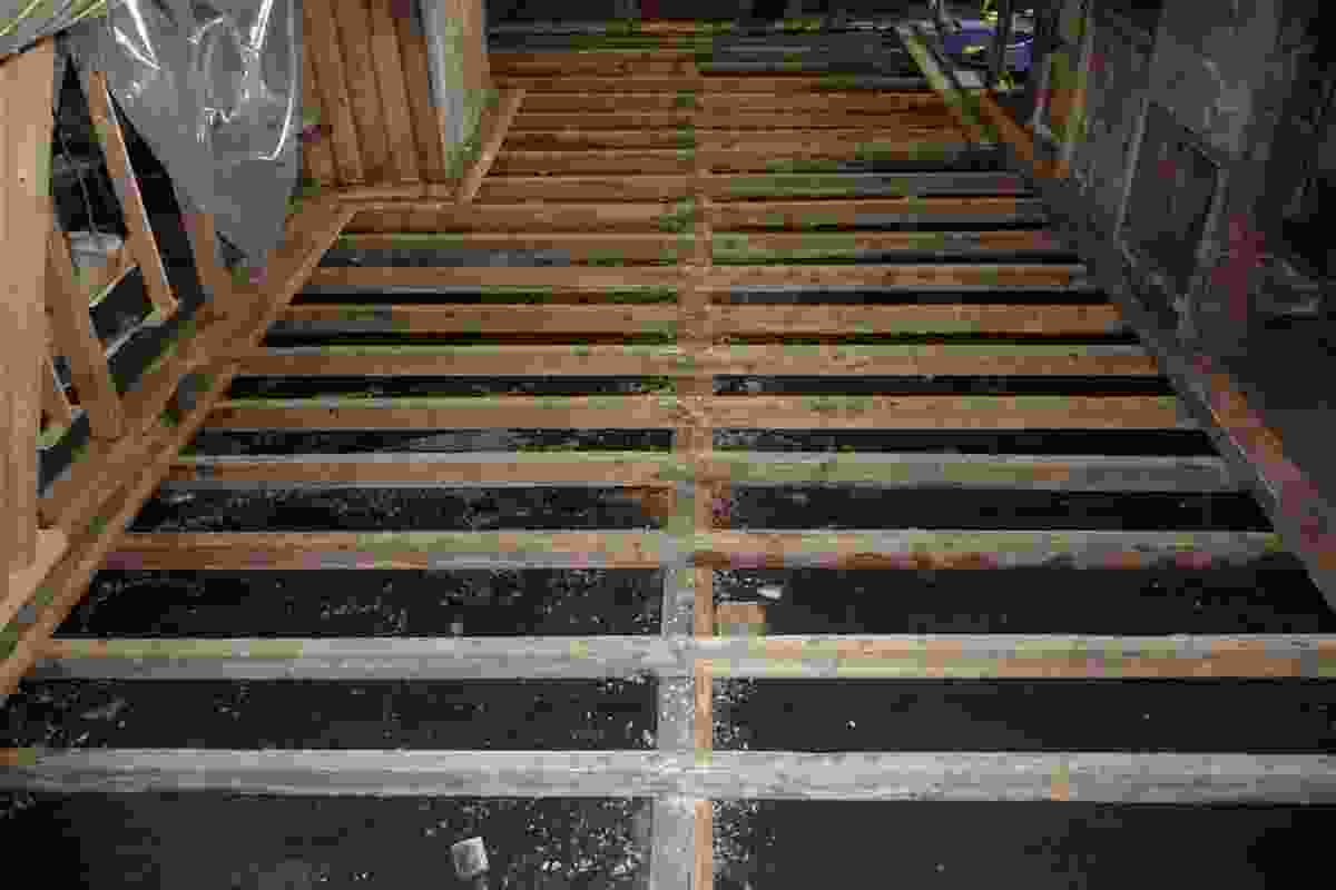Restoration of the floor in Scott's Cape Evans Hut: A total of 65m3 of ice was removed.