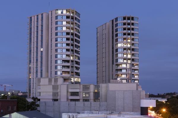 Verve Residences by CKDS Architecture with Hill Thalis Architecture and Urban Projects.