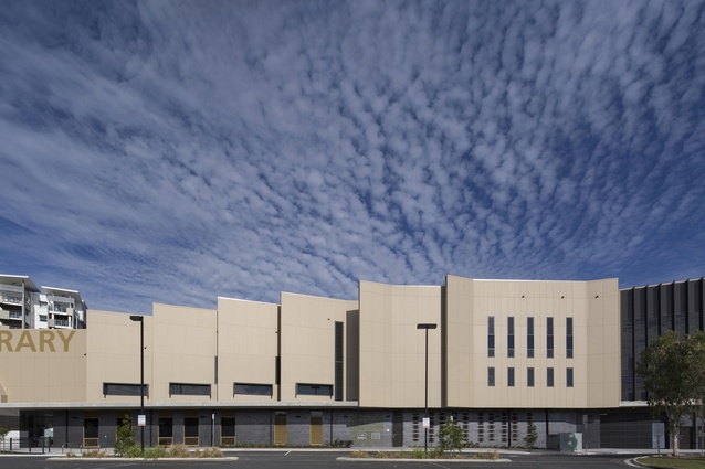 Helensvale Library and CCYC by Complete Urban and Lahz Nimmo Architects.