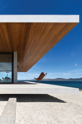 Dunalley House (Tas) by Stuart Tanner Architect.