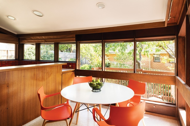 The extruded kitchen and meals area to the rear were influenced by the Harold Holt Memorial Swimming Centre by Kevin Borland and Daryl Jackson.