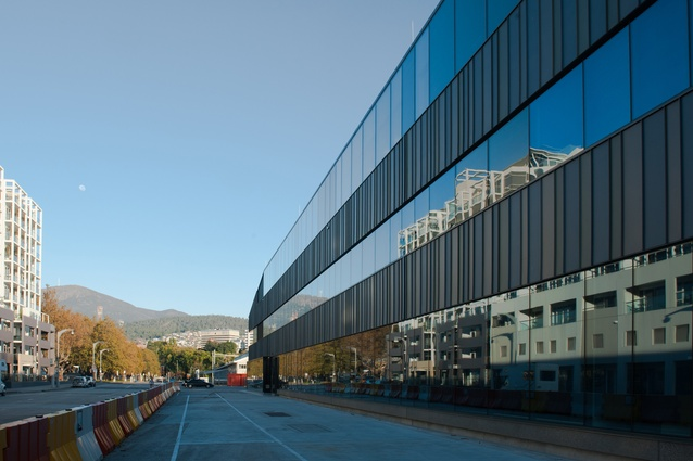 UTAS Institute for Marine & Antarctic Studies by John Wardle Architects + Terroir in Association.