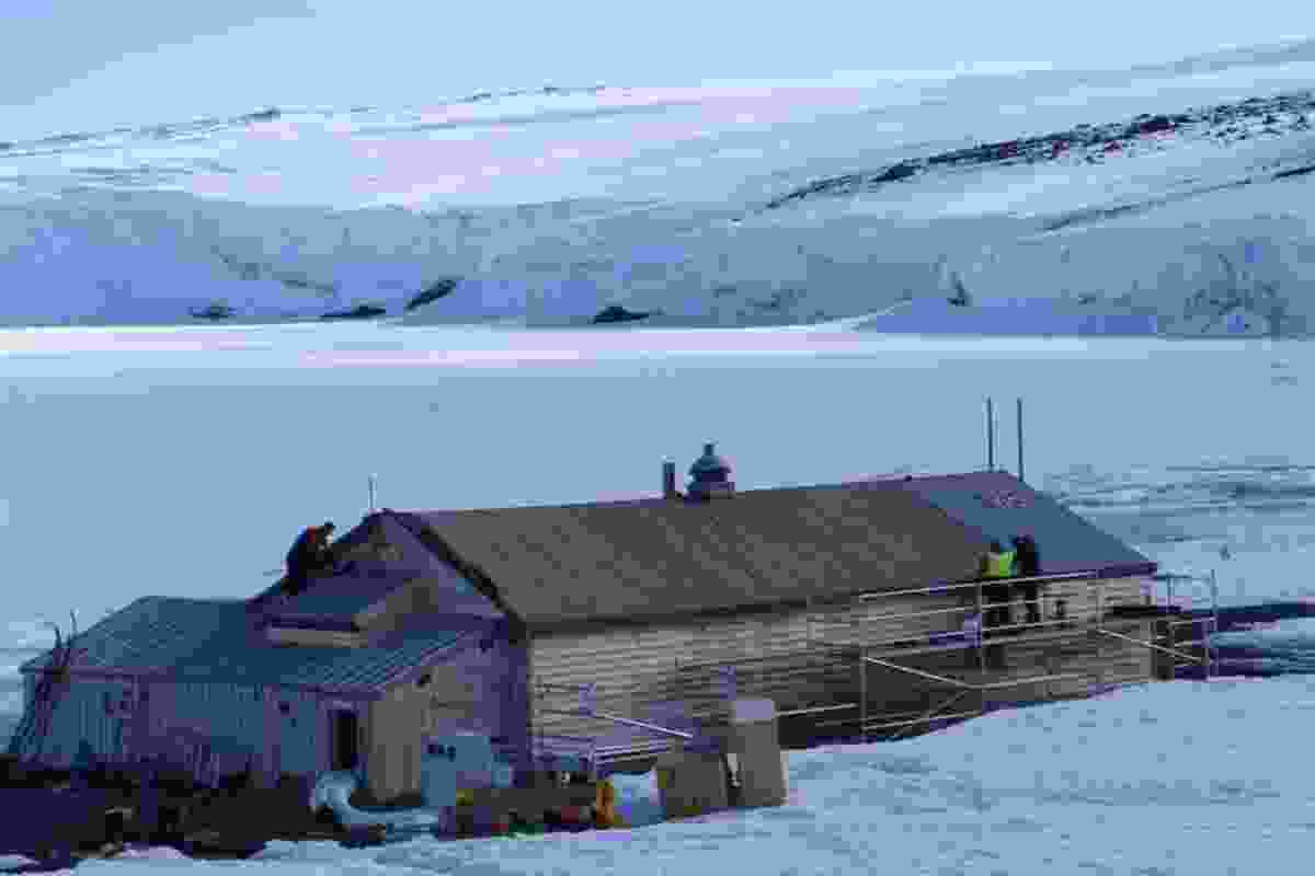 The roof at Cape Evans hut was re-clad with an historically correct covering.