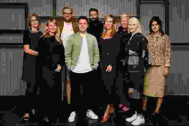 2021年澳大利亚室内设计奖评审团,左至右:Caroline Diesner, Adele Winteridge, Patrick Kennedy, Ryan Genesin, George Livissianis, Madeleine Blanchfield, Geraldine Maher, Rachael McCarthy, and Yasmine Ghoniem