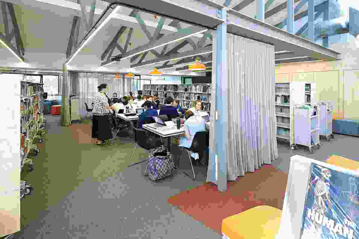 Curtain dividers allow for flexible and transparent areas for student learning.