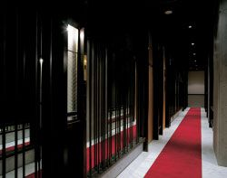 A witty response to the Westin Hotel above, the corridor running along the back of the bar is reminiscent of a luxury hotel corridor without the suites.