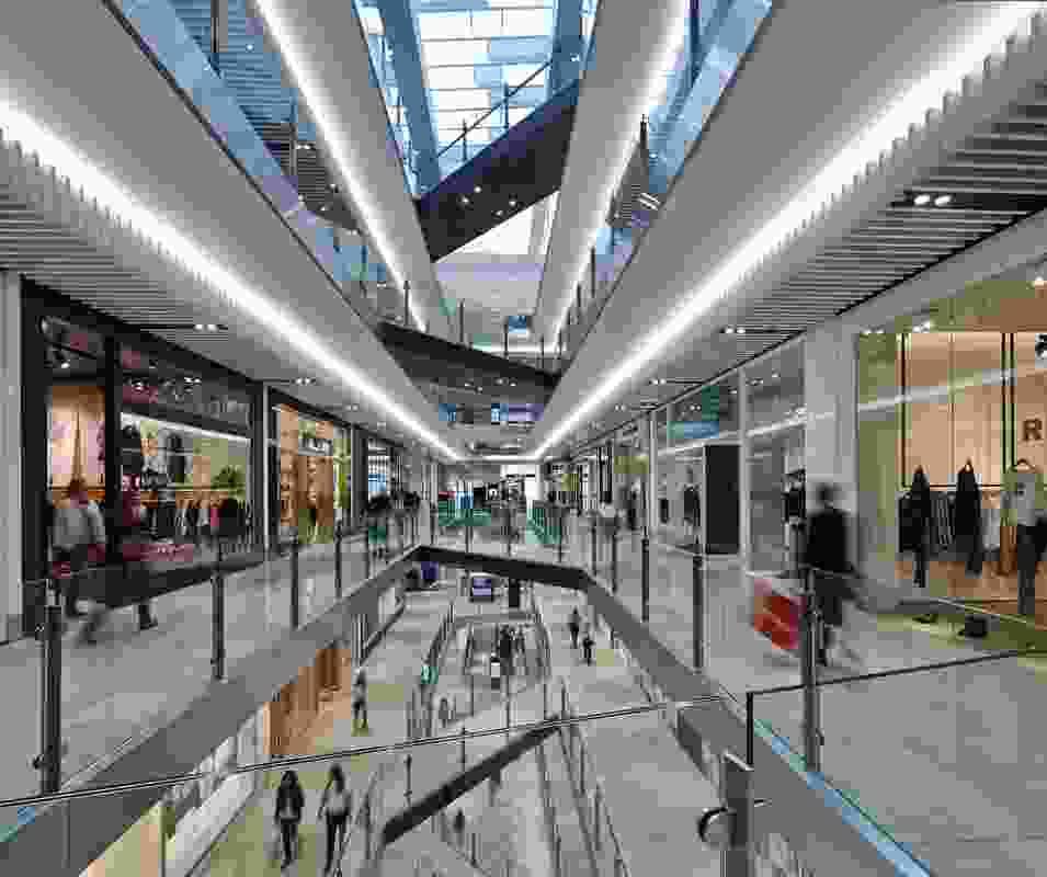 The shopping centre's planning includes visible and consistent locations of vertical circulation.