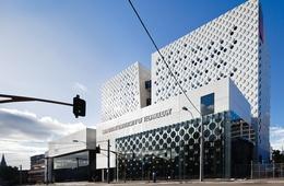 Swinburne University Advanced Technologies Centre by H2o Architects