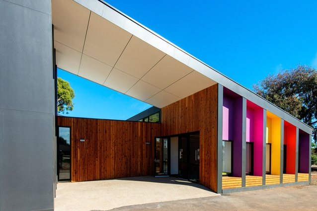 A new prefabricated library at Altona Primary School by Arkit.