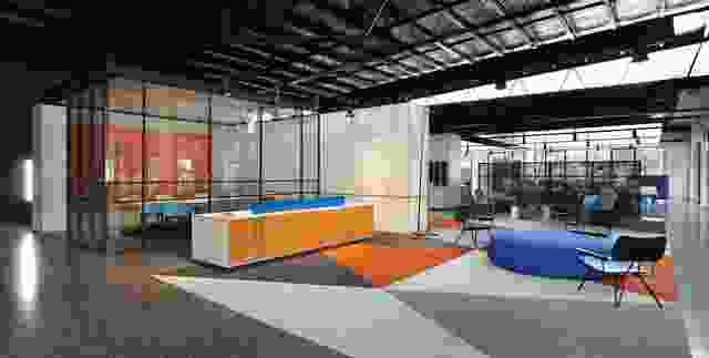 """肯纳德自助储存总部是""""空间内的一系列空间""""。"""