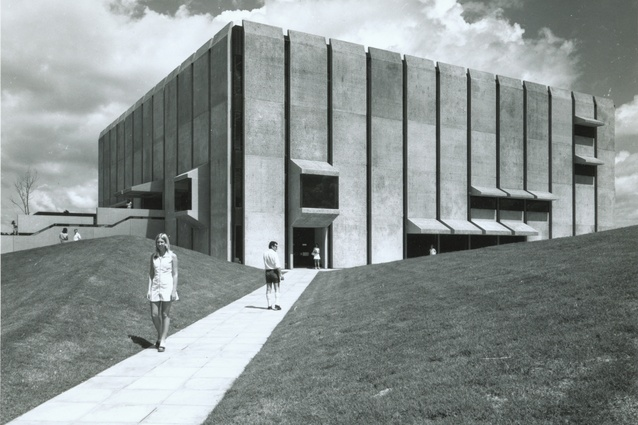 Robin Gibson's Social Sciences Library at the University of Queensland St Lucia campus, c. 1973.
