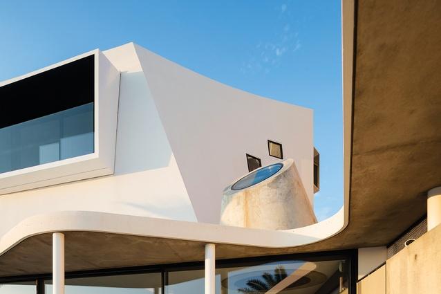Tamarama House by Durbach Block Jaggers Architects.