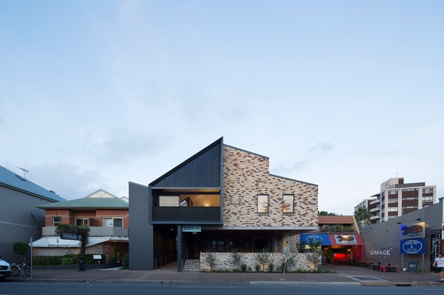 200 Pittwater Road by CHROFI.