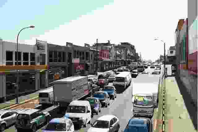 帕拉马塔路目前一直处于交通堵塞状态。