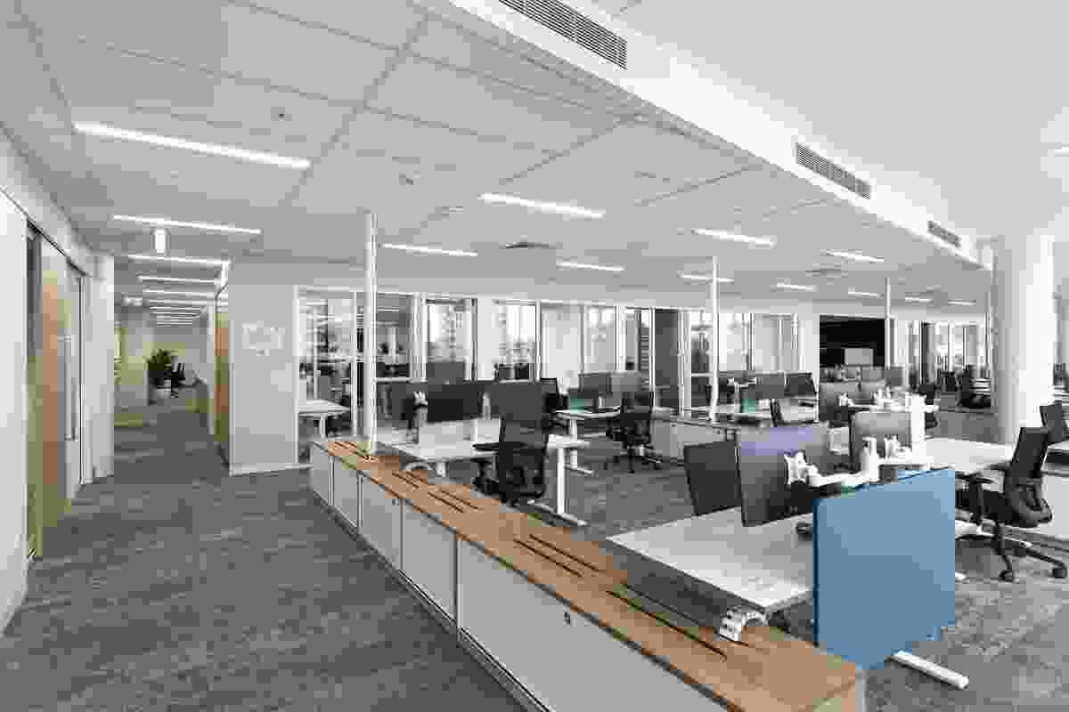 DFK Crosbie Workplace by SDA.