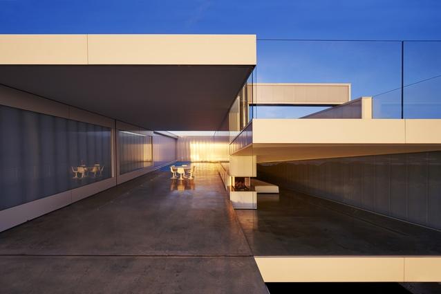 Villa Marittima, St Andrews Beach (Vic) by Robin Williams Architect.