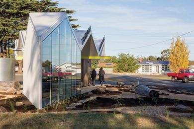 The triangular site informed the Gatehouse's wedge-shaped plan, which comprises a sheltered seating area, toilet facilities and, housed within its apex, an exhibition room.
