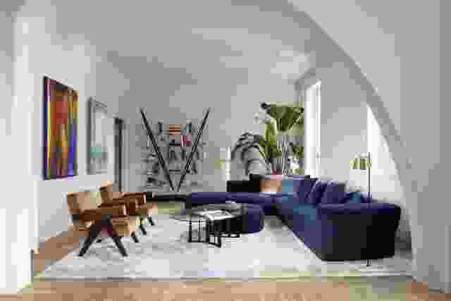 Cassina毫不费力地混合了标志性的家具件,沉浸在100多年的历史中,拥有顶级行业Visionaries的现代设计。