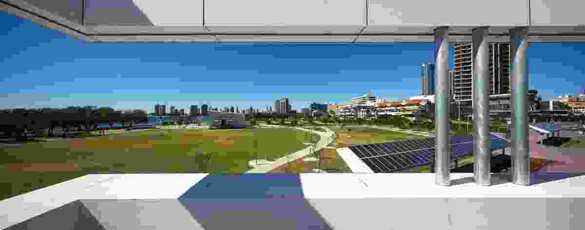 The site was required to cater for large events such as the gold coast airport marathon and a world championship triathlon, and its spaces have been designed to be viewed from high-rises above.