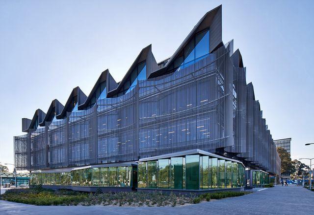 莫纳什大学教学大楼/ John Wardle Architects