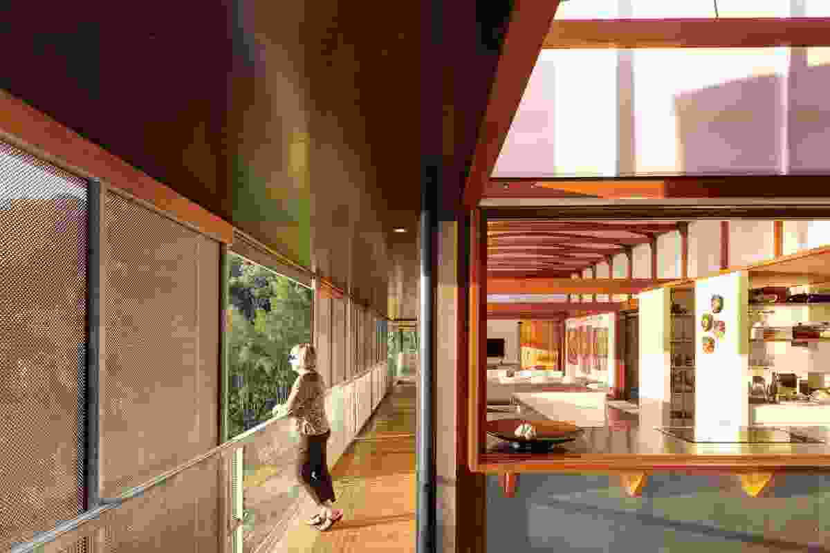 The verandah gives all rooms a direct outdoor link.