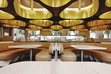 Natural leather banquettes and blond 