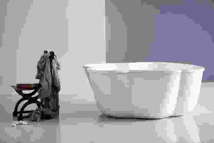 Cinque freestanding bath.
