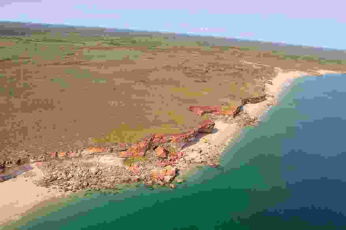 Walyjala-jala buru jayida jarringgun buru Nyamba Yawuru ngan-ga mirli mirli by UDLA. Shown here is an aerial view of Thangoo coastline.