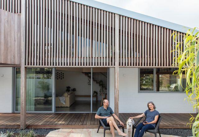 为了建造一个永恒而独特的住宅,Adam和Kerry Mason与Philip Stejskal Architecture合作。