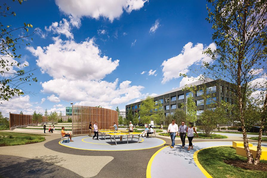 The Navy Yards Central Green by James Corner Field Operations is a five-acre park in the heart of a new corporate centre in Philadelphia, Pennsylvania.